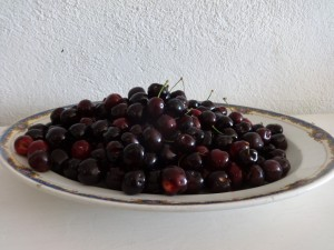5 black cherries