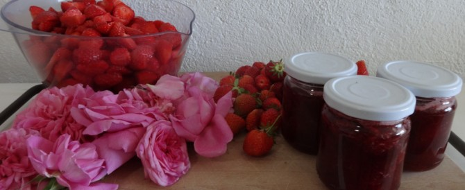 Strawberry jam and roses – spring in a jar