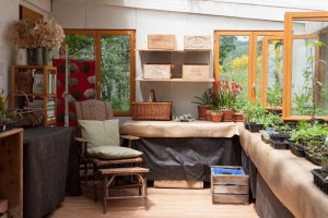 The potting shed – the heart of the garden