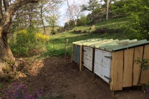Building compost bins