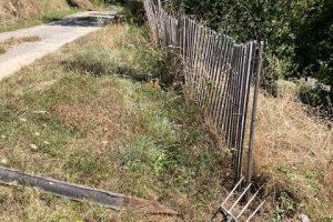Repositioning chestnut fencing